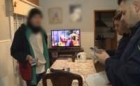 Los efectivos allanaron una casa del Barrio Villa San Carlos e incautaron el celular usado para hacer los llamados.