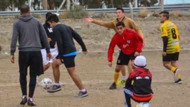 Pese al frío intenso en la Patagonia, La Ribera refina movimientos de cara al torneo clasificatorio, que da plaza al Regional 2019.