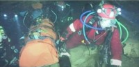 Rescatistas tardan 11 horas en completar cada viaje para rescatar a uno de los atrapados en cueva de Tailandia.