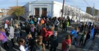 Docentes aguardan la resolución de la paritaria fuera de Casa de Gobierno