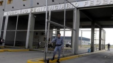 La población penal en establecimientos penitenciarios se distribuye en 290 unidades, de las cuales 54 pertenecen al Servicio Penitenciario Bonaerense (SPB).