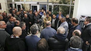 Fuerte respaldo. Gustavo Sastre, asambleísta del Federal A en AFA, asistió a la recepción a Claudio Tapia.