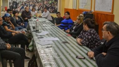 Recambio. Máximo Pérez Catán participó el jueves de la renovación de autoridades en la Casa Local de Trelew.