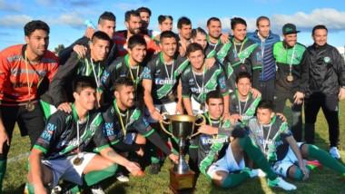 Germinal se quedó con el trofeo de la Copa Amistad tras golear en El Fortín a Dolavon, por 4 a 0.