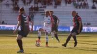 Tuvieron chances, pero ninguno pudo marcar en Paraná y repartieron puntos.