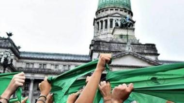 Símbolo. Aunque en esta ocasión no fue suficiente, la ola verde parece tener garantizada la aprobación de la ley en el futuro parlamentario.