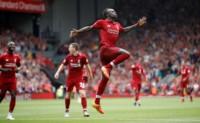 Festeja Mané. El Liverpool goleó 4-0 al West Ham de Zabaleta, Chicharito, Felipe Anderson y compañia.