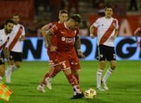 Huracán, que viene de igualar con River, juega en Mar del Plata. Pablo Álvarez (foto), está en duda.