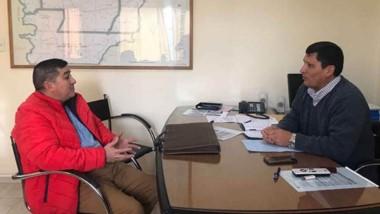 Gestiones. El responsable de Asuntos Municipales, Aguilera, se reunió con Riera, de la empresa de Gastre.