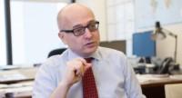 Roberto Cardarelli, el burócrata de turno al que señalan como amigo personal del ministro Dujovne. Pero no de la Argentina...