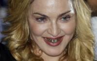 ¿¡Y para que tienes esos diamantes en el comedor, Luisa Verónica..!?