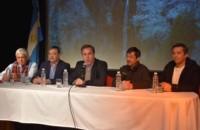 Líderes regionales. Una postal de la Primera Reunión de Intendentes de la Comarca, que buscan soluciones.