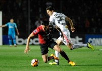 Sufriendo, el Sabalero logró eliminar al actual líder el Brasileirao y avanzar en la Sudamericana.