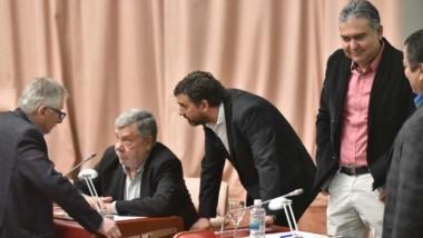 Protagonistas. Otra vez la Legislatura se convirtió en un verdadero ring entre Cambiemos y el FpV.