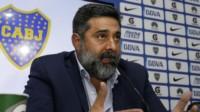 Daniel Angelici desmintió el rumor de que echaría a Guillermo Barros Schelotto.