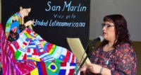 La directora de la Escuela, Raquel Caprano, felicitó a las docentes y estudiantes por el trabajo en el acto.