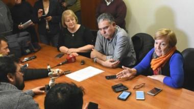 El diputado de Cambiemos brindó una conferencia de prensa para salir a contestarle a Meza Evans.