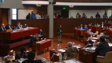 Los diputados ya tienen su propio presupuesto, pero aún aguardan que el Ejecutivo también envíe el suyo.