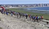 Una nutrida presencia de atletas de distintos puntos de la provincia compitió ene l día de ayer en la exigente  maratón aventura de Puerto Madyrn.