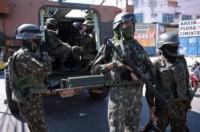 Las operaciones policiales y militares en Rio de Janeiro dejaron este lunes al menos doce muertos, entre ellos un soldado.