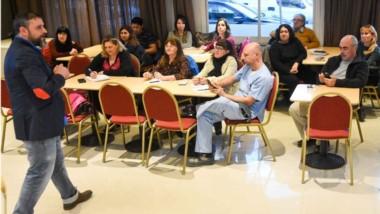 Gran cantidad de vecinos se sumaron a la disertación brindada por el especialista ibérico en Madryn.