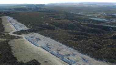 Residuos. Una vista aérea del basural que genera malos olores y pone en peligro la salud ambiental del Valle Inferior del Río Chubut.