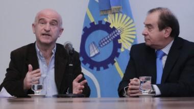 Durante la conferencia de prensa el equipo económico solicitó que los diputados pongan por encima los intereses de los chubuteneses.