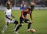 Le podrían dar por ganado a Independiente 3-0 el partido ante Santos por culpa de Carlos Sánchez.