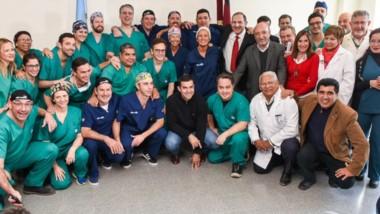 El equipo de 23 profesionales convocados por la Fundación Barraquer, que realizaron operaciones de alta complejidad en Salta.