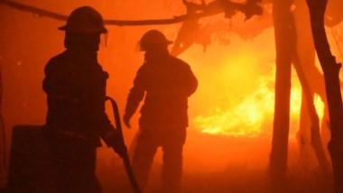 Bomberos del Valle Inferior contra el fuego por 6 horas, desde las 20 hasta las 2 de la última madrugada.