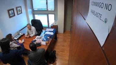 Off. Una nota particular dentro del despacho del diputado Touriñán.