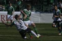 Nueva Chicago venció 2-0 a Ferro con goles de Arnaldo González y Sánchez Sotelo en el arranque de una nueva temporada de la B Nacional.