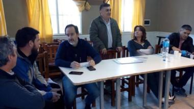 Mesa de conducción. La cúpula de la CGT discutió la crisis chubutense y decidió juntar firmas de vecinos.