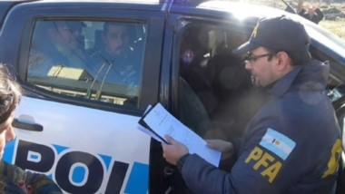 Policía Federal con el apoyo de la Policía del Chubut, llevó a cabo el procedimiento ocurrido ayer en Esquel.
