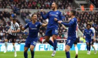 El belga Hazard, de penal, marcó el primer tanto de Chelsea.