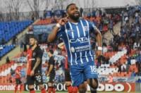 El Morro festeja su gol. Godoy Cruz ganó 14 de los últimos 15 partidos jugados en Mendoza.