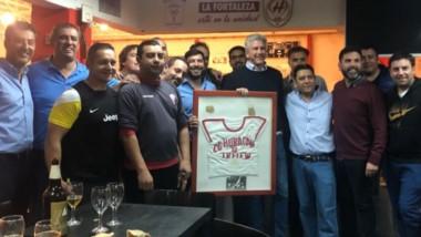 La asamblea del club Huracán. Después de aprobar los balances de la anterior gestión, la nueva CD liderada por Maza llega a la institución.