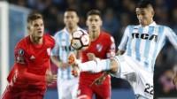 Conmebol le dio la espalda a Racing y no descalifica a River de la Copa Libertadores.