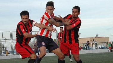 Racing Club-Independiente se jugará a la misma hora que Germinal-La Ribera, el clásico de Rawson.