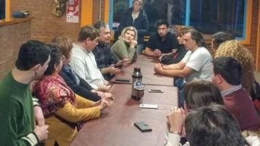 Debate político. Con mate, la dirigencia valletana radical pidió que Cambiemos se nutra y se fortalezca.