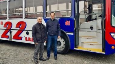 El intendente recorrió la firma Italbus S.A. en Buenos Aires.