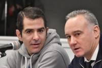Lüters (izquierda) junto a su abogado Lisandro Benítez. (Foto: Daniel Feldman / Jornada)