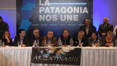 Por la unidad. Alberto Fernández en la Cumbre de Comodoro.