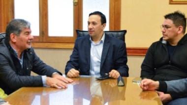 Cumbre. El intendente recibió en su despacho a Taboada y al titular de la CGT del Valle Inferior, Luis Collio.