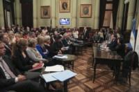 La Comisión de Asuntos Constitucionales del Senado emitió hoy un dictamen que autoriza los allanamientos a la ex presidenta.