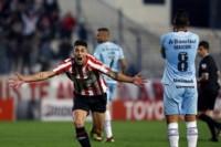 En la ida, Estudiantes se impuso de local por 2-1, pero si Gremio gana 1-0 accede de fase.