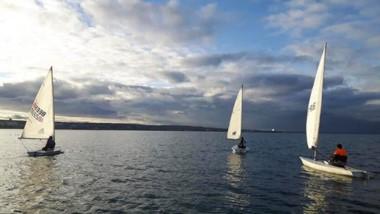 El Club Náutico Atlántico Sud de Puerto Madryn ofrece una variada oferta de actividades de Yachting.