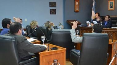Debate. Una postal de la sesión en el parlamento rawsense, donde todos repudiaron el recorte de Macri.