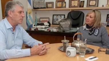Dúo. Eliceche y Artero durante su encuentro en el despacho municipal.