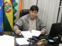 El diputado Domingo Soto, en su despacho y sobrio.